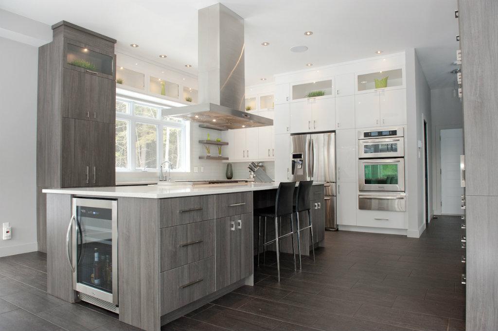 Cuisine moderne réalisée par CP /  Modern kitchen fulfilled by PK